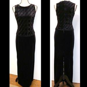 Scott McClintock Petites black velvet long gown 8